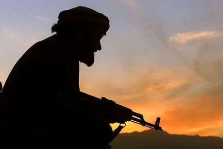 कश्मीर: 'सच्चा जिहादी' बनने के लिए आपस में ही भिड़ गए हैं PAK समर्थक और खलीफा समर्थक आतंकी