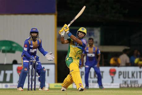 टी20 मैच में बल्लेबाजों ने बरपाया कहर, ठोके 30 छक्के, 8 बार गुम हुई गेंद