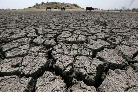 ये कैसा मौसमः सूबे का एक हिस्सा इतना सूखा कि पानी भी नसीब नहीं, दूसरे में सिर्फ पानी ही पानी