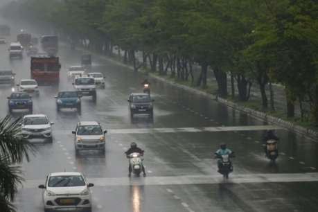 गुजरात में आज बारिश का अलर्ट, दिल्ली में इस दिन हो सकती है भारी बारिश