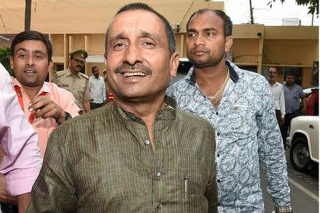 विज्ञापन में BJP नेताओं के साथ आरोपी MLA सेंगर की फोटो, मचा बवाल
