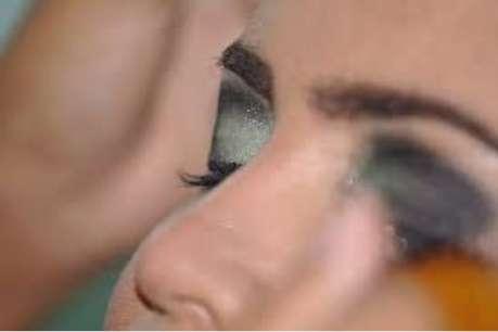 आपकी आंखों के लिए नुकसानदेह है रोज आईलाइनर लगाना
