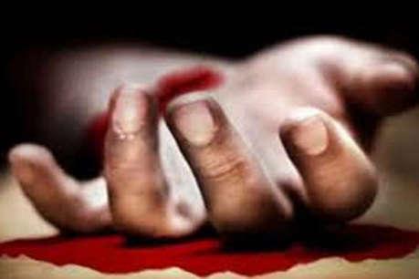 ग्रेटर नोएडा: घरेलू विवाद में मैनेजर ने की आत्महत्या, पत्नी ने काटी हाथ की नस