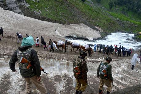 जम्मू कश्मीर में हालात तनावपूर्ण, PDP और NC ने बुलाई इमरजेंसी मीटिंग