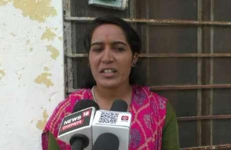 बाल-विवाह की शिकार बहू ने की पढ़ने की बात तो पंचों ने लगा दिया 2 लाख जुर्माना