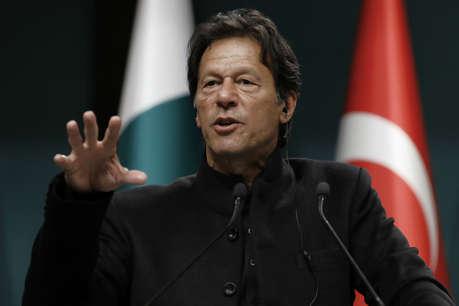 इमरान खान को नहीं मिला किसी का साथ, तो ट्विटर पर गिड़गिड़ाने लगे