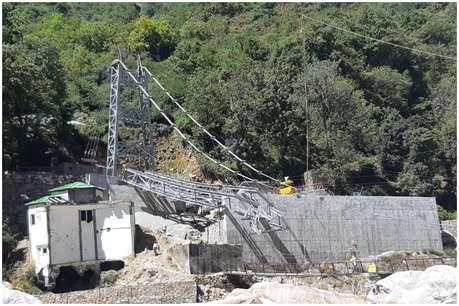 झूला पुल बनाने में 'फेल' हुई कंपनी पर क्यों मेहरबान है राज्य सरकार!