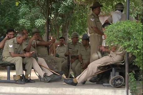 जयपुर में फिर उपद्रव, वाहनों में तोड़फोड़, अब 15 थाना इलाकों में धारा 144 लगाई, इंटरनेट बंद