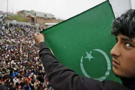 भारत से पंगा लेना पाकिस्तान को पड़ा भारी,बकरीद से पहले महंगाई पर हाहाकार