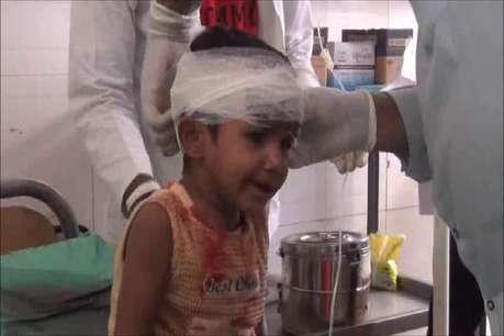 3 साल की बेटी को गोद में लेकर ट्रेन के आगे कूदी मां, बाल-बाल बची मासूम की जान