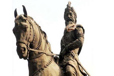 पाकिस्तान में महाराजा रणजीत सिंह की प्रतिमा के साथ तोड़फोड़