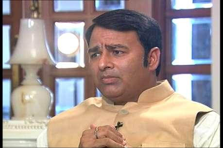 BJP विधायक संगीत सोम पर दर्ज मामले वापस लेने की तैयारी में योगी सरकार