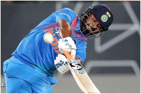 इस क्रिकेटर ने पूछा- जब कोहली और धवन रन नहीं बना रहे तो ऋषभ पंत पर सवाल क्यों?