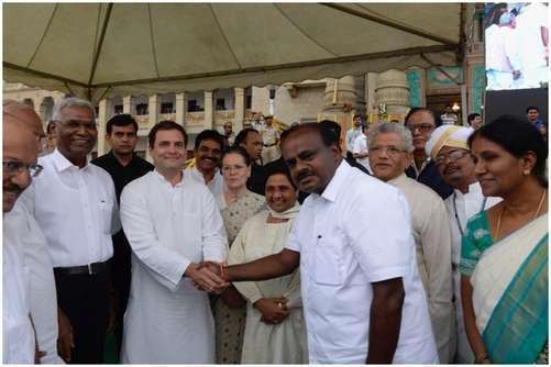 कर्नाटक: दूसरी बार CM बने कुमारस्वामी, शपथ ग्रहण समारोह में विपक्ष का शक्ति प्रदर्शन