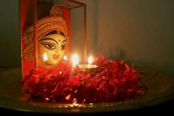 प्रदेश में नवरात्र की धूम, मंदिरों में लग रहे माता के जयकारे