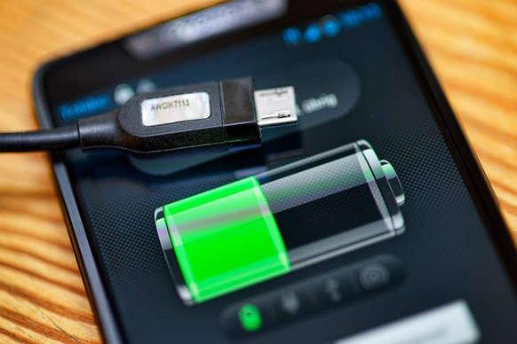 Tips: ऐसे बिना बिजली के चार्ज करें अपना मोबाइल