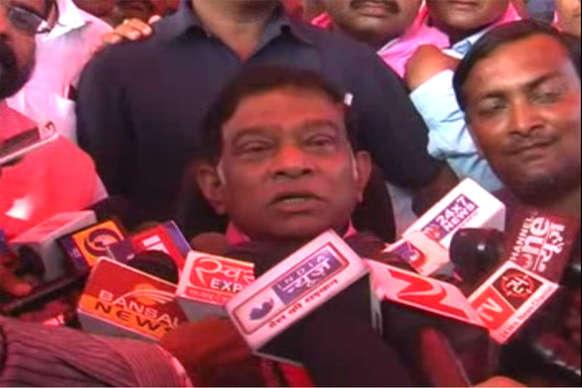 VIDEO: किसान महापंचायत में सीएम रमन सिंह पर बसरे जोगी