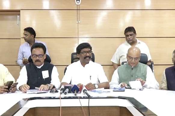 पूर्व मुख्यमंत्री ने कहा, रघुवर दास ने झारखंड को 100 गुना पीछे ढकेल दिया