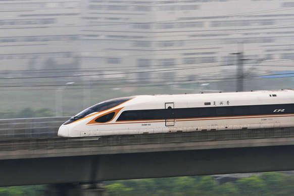 'बुलेट ट्रेन से ज्यादा रेलवे ट्रैक मजबूत करना है जरूरी'