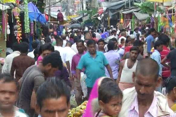 बाबानगरी में दीपावली की धूम, मुख्य बाजार समेत गली-मुहल्लों में रौनक