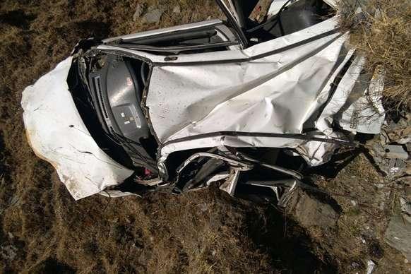 200 मीटर गहरी खाई में गिरी कार, तीन युवकों की मौत