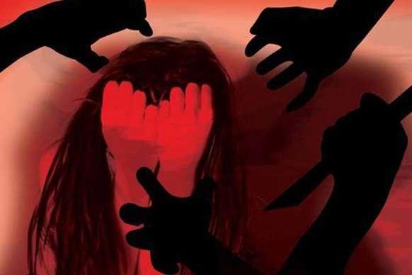 कन्नौजः न्याय पाने की गुहार लेकर एसएसपी ऑफिस पहुंची गैंगरेप पीड़िता