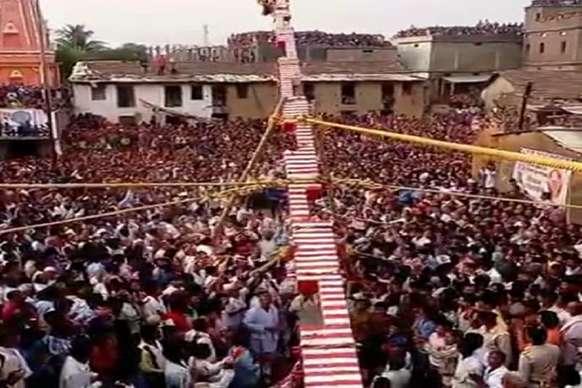 गरीबनाथ बाबा का लक्खी मेला शुरू, पहले दिन हजारों श्रद्धालुओं ने की पूजा-अर्चना