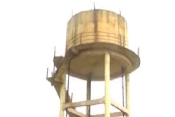 नल जल योजना के तहत लाखों की लागत से बनी पानी की टंकियां गुणवत्ताहीन