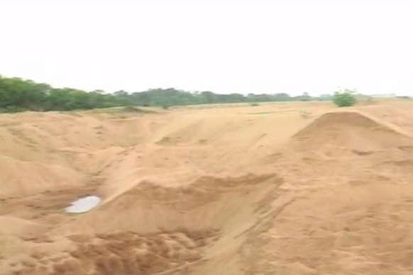 भोजपुर में बालू माफियाओं ने की पुलिस पर फायरिंग