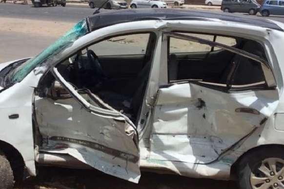 VIDEO: ट्रक ने कार को मारी टक्कर, एक ही परिवार के तीन लोगों की मौत