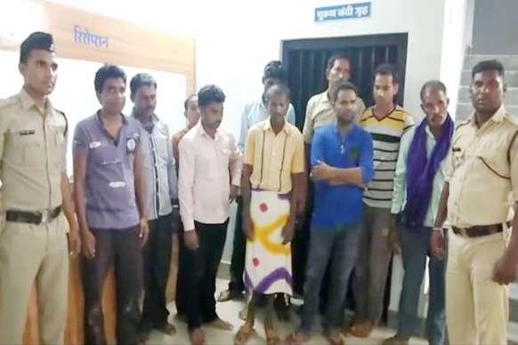 25 हजार नकद रुपए के साथ 12 जुआरी गिरफ्तार