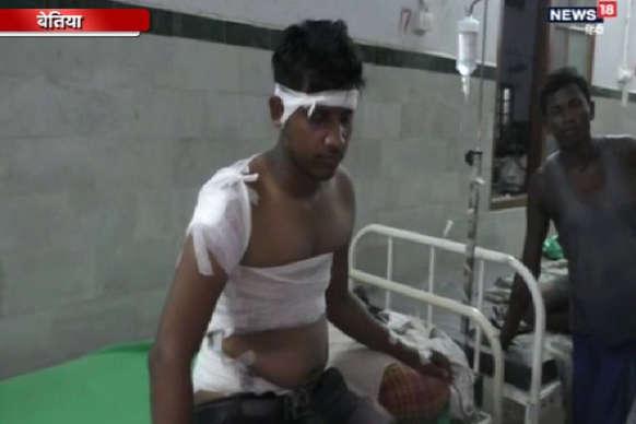 VIDEO : बेतिया में अपराधियों ने युवक को मारा चाकू