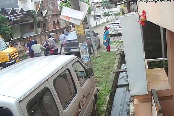 गोंडा: मनचलों ने की छात्रा से छेड़खानी, विरोध करने पर पिता को पीटा