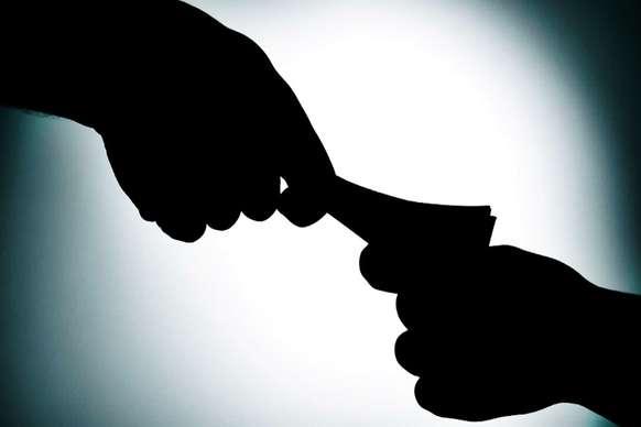 चंबा के किलाड़ से 1.30 लाख रुपये की रिश्वत लेते जई गिरफ्तार