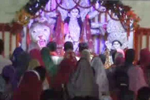VIDEO: दुर्गा समिति द्वारा कुसमी में भंडारा, गरवा डांस का आयोजन