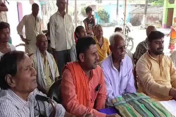 बिना मुआवजा जमीन अधिग्रहण पर  36 किसानो ने की इच्छा मृत्यु की मांग