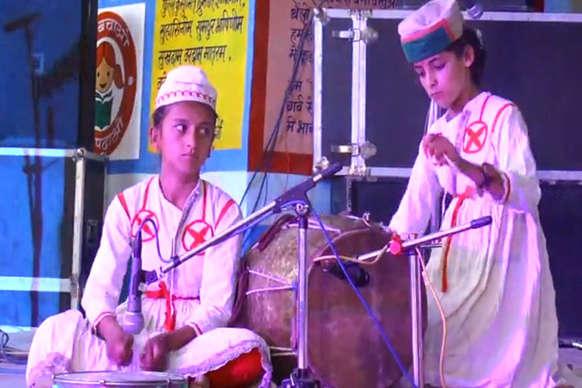 VIDEO: अंबोया मे जिला स्तरीय सांस्कृतिक प्रतियोगिता का समापन, बच्चों ने बांधा समां