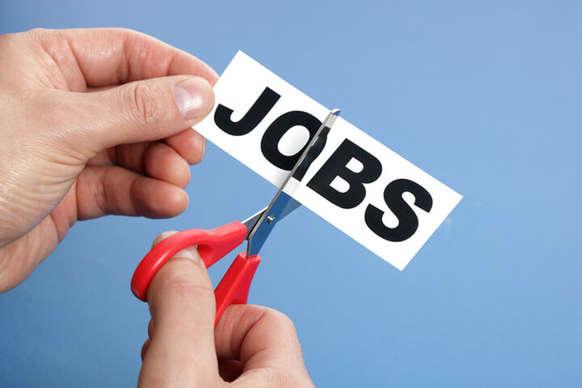 इस कंपनी में करते हैं जॉब तो हो जाएं सावधान, जाने वाली हैं 7500 नौकरियां