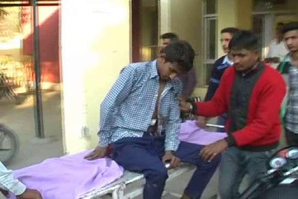 करनाल में स्कूल के बाहर भिड़े छात्र, चाकू लगने से 2 घायल