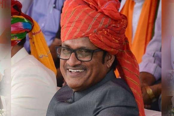 7वीं बार विधानसभा चुनाव लड़ रहे हैं वसुंधरा सरकार के ये मंत्री, पढ़ें- कौन हैं राजेंद्र राठौड़