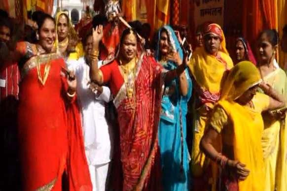 भीलवाड़ा में किन्नरों ने निकाली शोभायात्रा, लोगों ने लिया आशीर्वाद