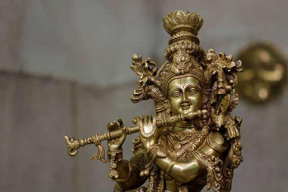 भगवान कृष्ण ने बताया युधिष्ठिर को धन पाने का ये तरीका!