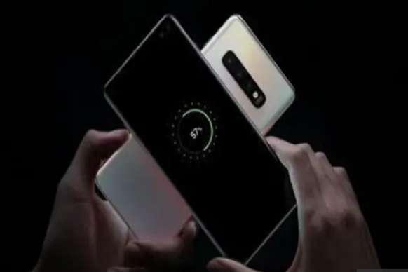 सैमसंग Galaxy S10 से दूसरे स्मार्टफोन को कर सकेंगे चार्ज, जानें कैसे