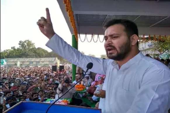 तेजस्वी यादव ने PM मोदी से की मांग, कहा- इंदिरा गांधी की तरह पाकिस्तान का करें दो फाड़