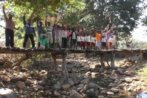 जय नदी पर स्थायी पुल निर्माण को इस बार चुनावी मुद्दा बनाने के मूड में हैं डुमरिया प्रखंड के ग्रामीण