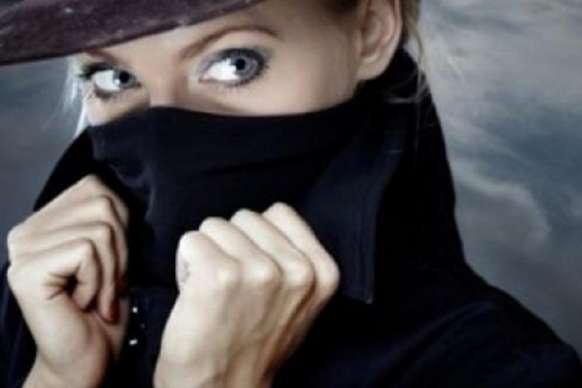 हनी ट्रैप कर पेट्रोल पंप मालिक को ब्लैकमेल कर रही थी महिलाएं, पुलिस ने किया गिरफ्तार