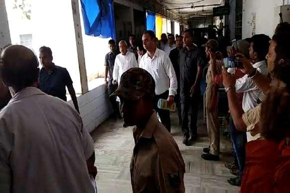 मुजफ्फरपुर में नीतीश कुमार का विरोध, वापस जाओ के लगे नारे