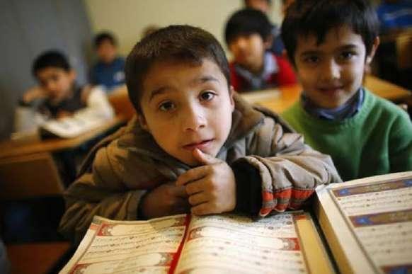 जानें कैसे चीन अब उइगर मुसलमानों से अलग कर रहा है उनके बच्चे