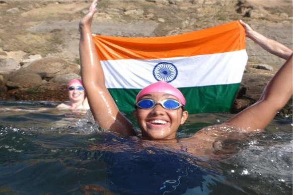 उदयपुर की बेटी जलपरी गौरवी सिंघवी ने पार किया इंग्लिश चैनल
