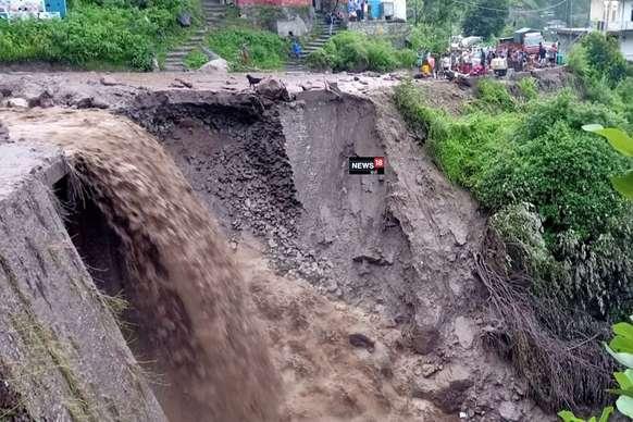 Breaking: हिमाचल के शिमला में बादल फटा, मणिमहेश यात्रा रोकी